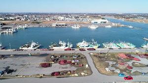片貝漁港と片貝新堤近くの駐車場