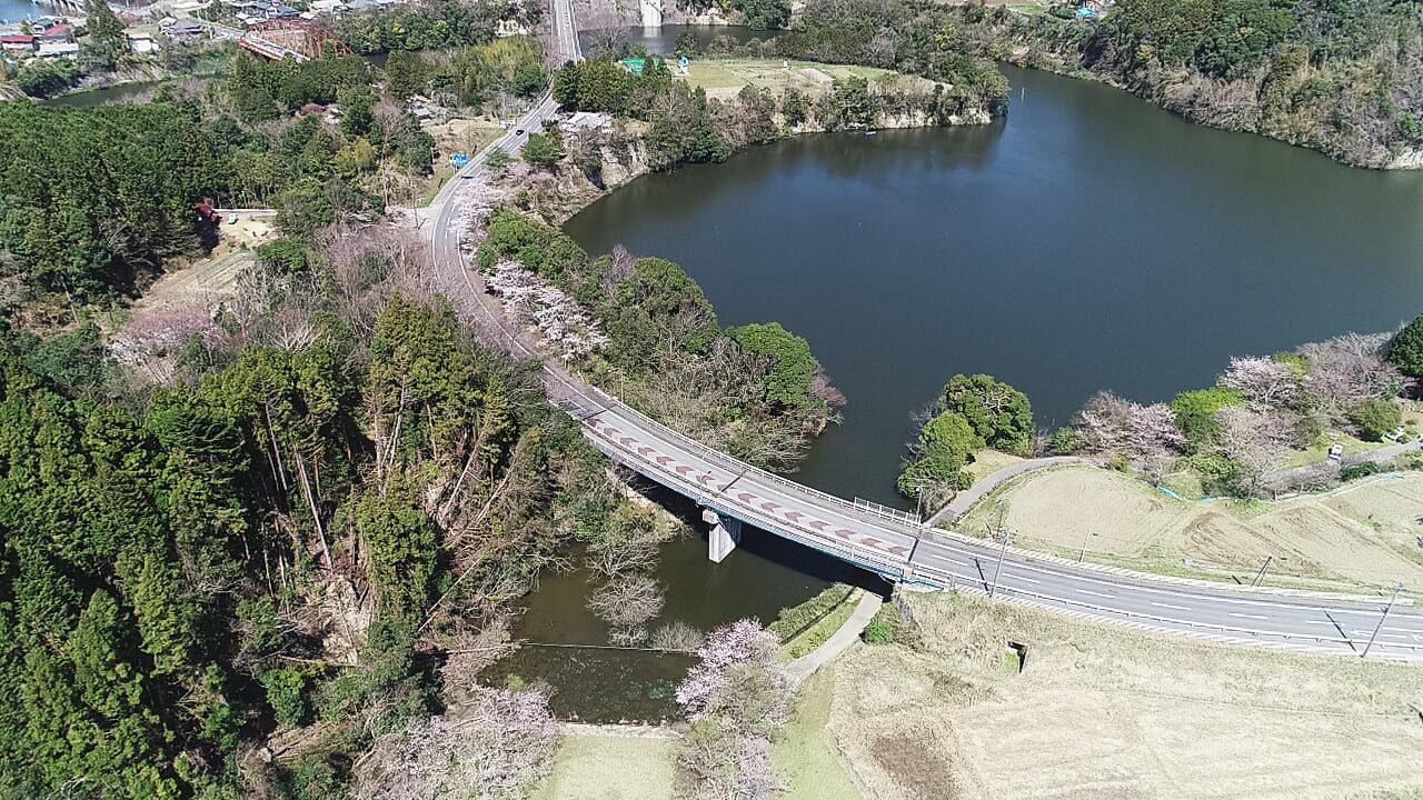 亀山湖 亀山大橋付近